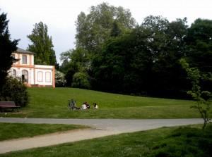 Auf den Wiesen kann man schön picknicken.