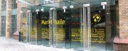 Eingang der Markthalle