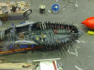 Verkleben eines Flugzeugrumpfes